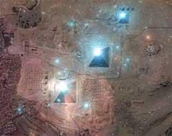 Пирамиды в Гизе, три звезды пояса Ориона