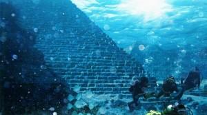 Пирамида на дне израильского озера