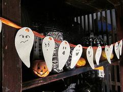 Как украсить офис на Хэллоуин